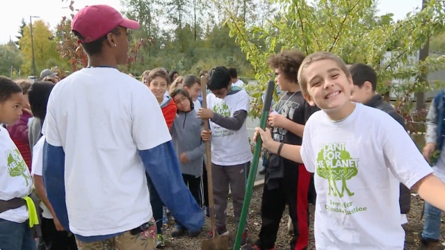 Tree Planting Glee at MET