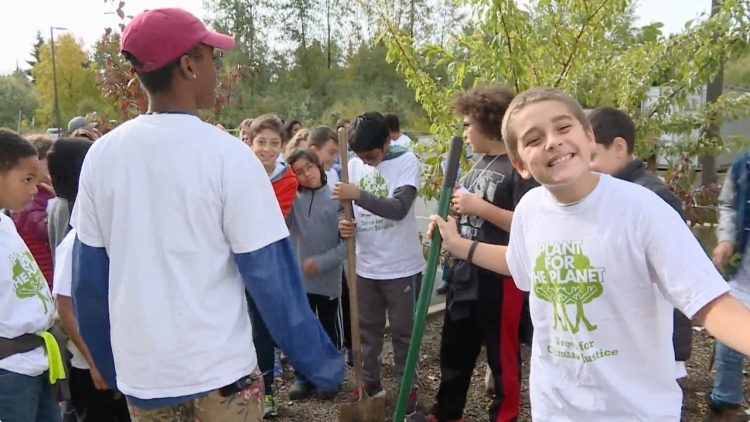 Tree Planting Glee at MET